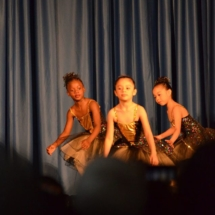 Elementary-Dance-Students-Perform
