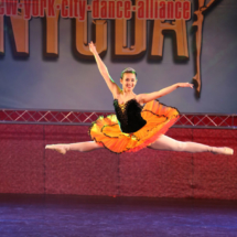 Bedelina's ballet solo photo of aerial split