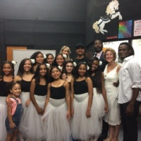 New Hope Youth Dance Company Poses Backstage with Oscar Hawkins