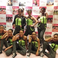 El poder de ser mujer Gala Dancers Pose